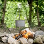 koken boven het kampvuur